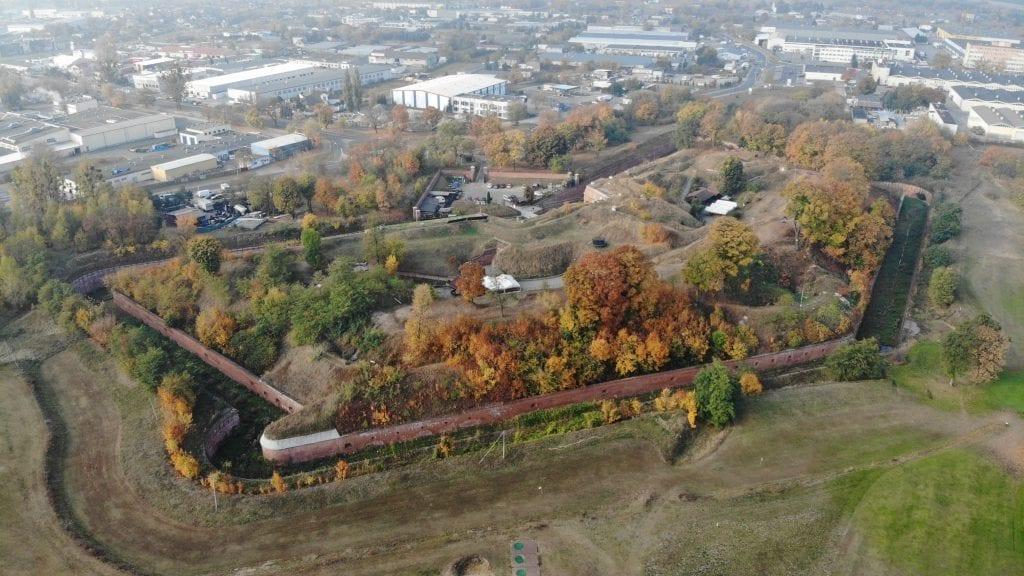 Spoglądamy z powietrza na Fort IV Twierdzy Toruń